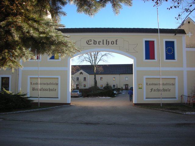 Eingang Edelhof