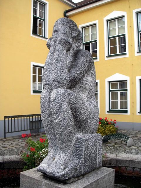 """""""Sitzende"""" von Silvia Maria Grossmann"""