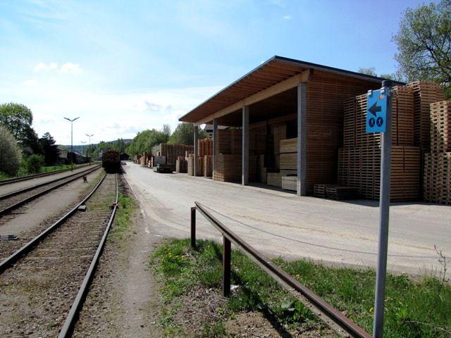 Beim Bahnhof