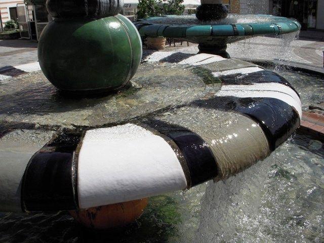 Hundertwasserbrunnen Detail