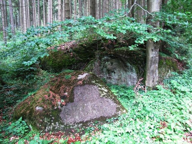 3.Runenstein