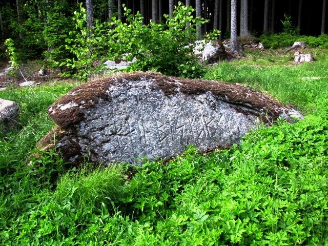 2.Runenstein