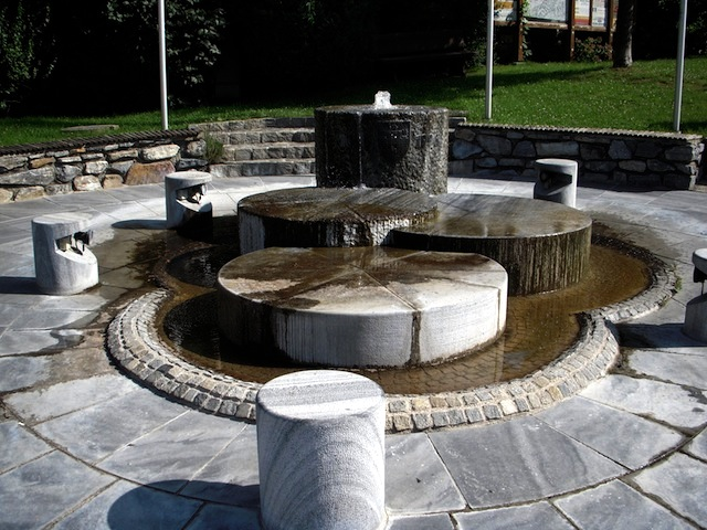 Der Mühlsteinbrunnen