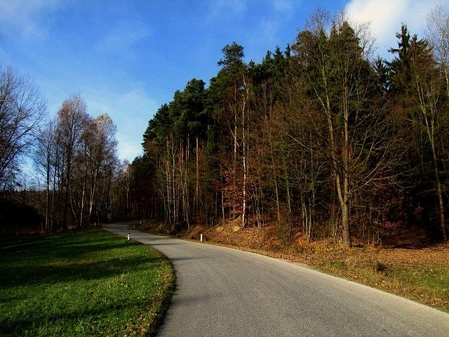 Zufahrtsstraße Schmerbach