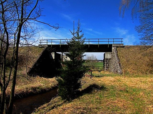 Bei der Eisenbahnbrücke