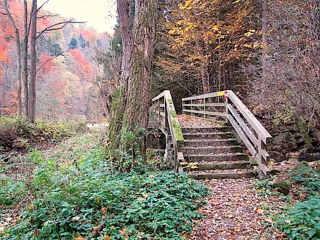 Steg über den Betzbach