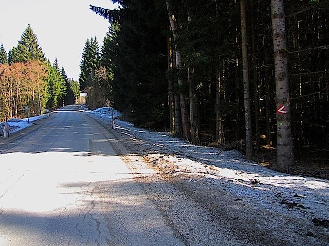 Straße Aschen - Perthon