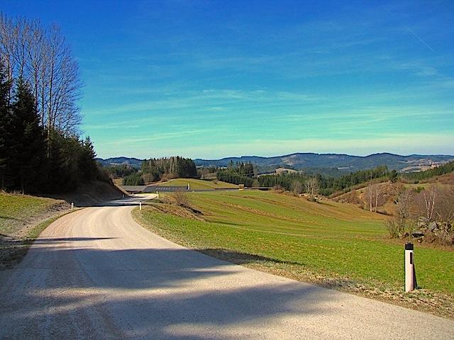 Blick über das Hügelland