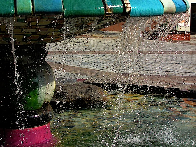 Der Hundertwasserbrunnen