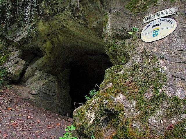 Die Gudenushöhle