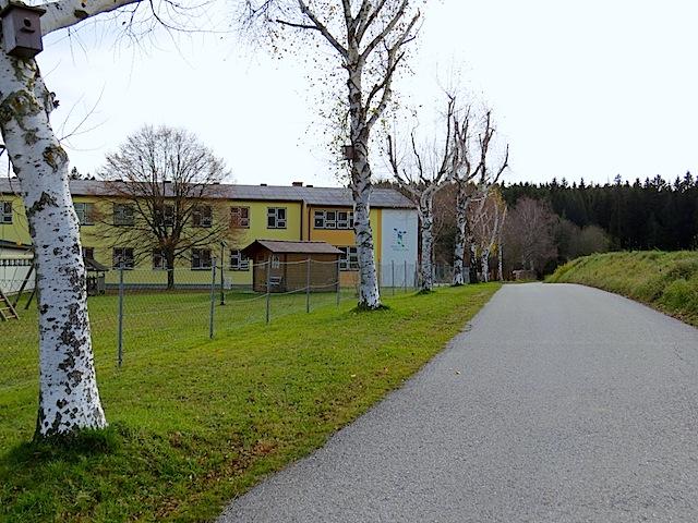 Schule und Kindergarten