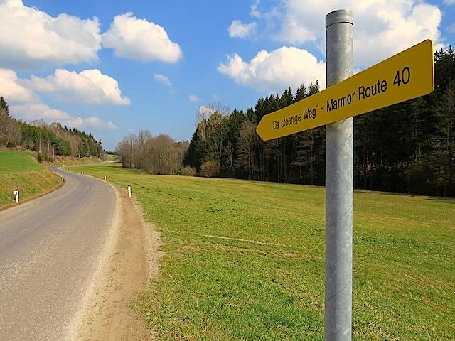 Straße nach Marbach