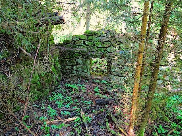 Reste der Höllenmühle