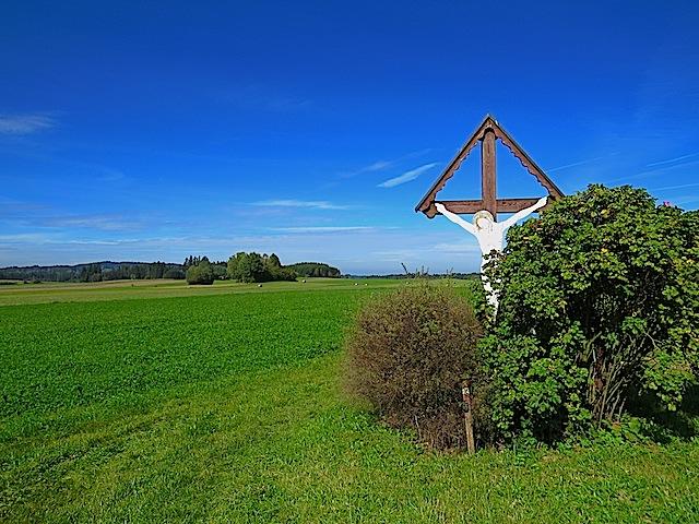 Großes Holzkreuz