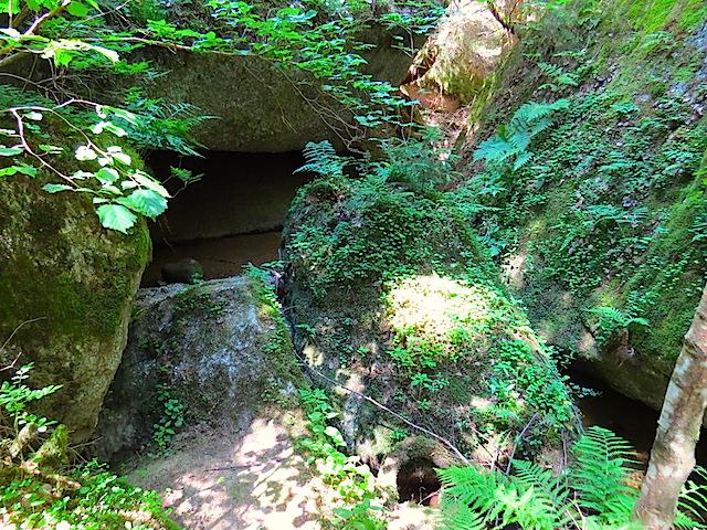 Kleine Wasserhöhle