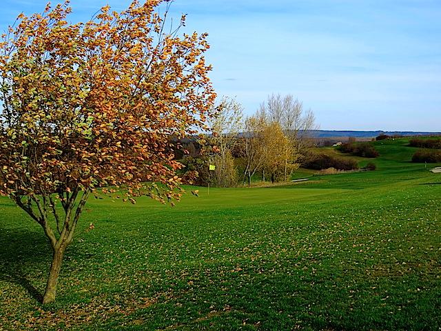 Beim Golfplatz