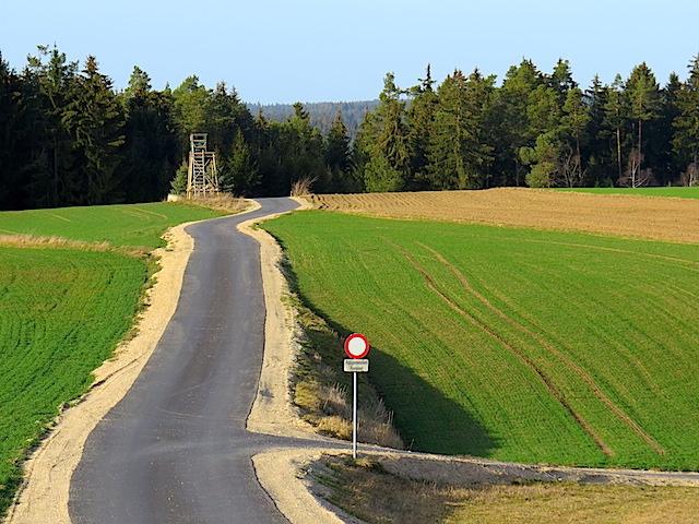 Zum Waldrand