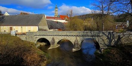Stift Zwettl - romanische Brücke über den Kamp