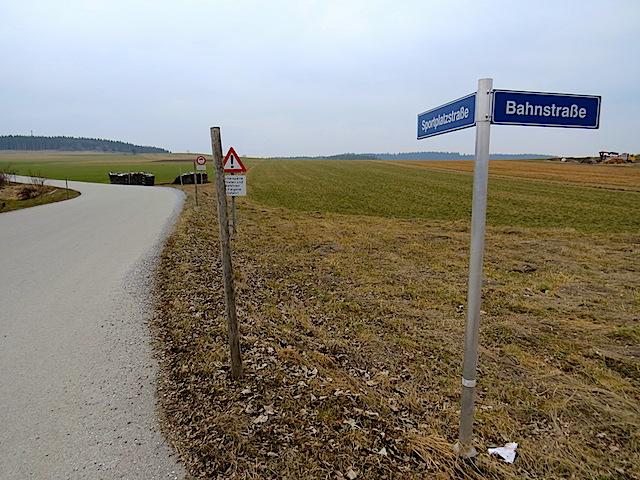 Sportplatzstraße