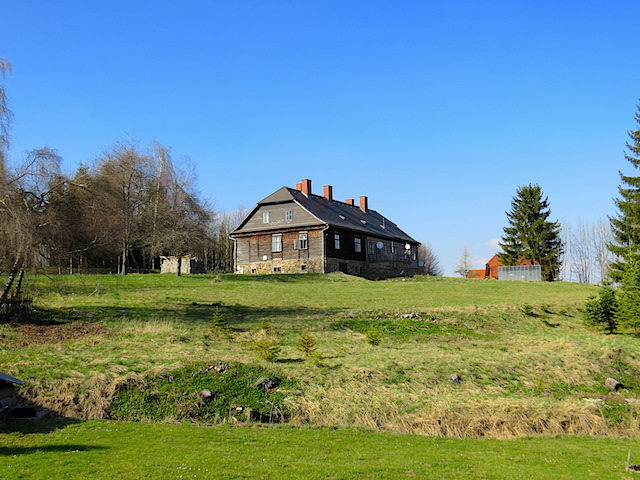 Eine alte Forstvilla