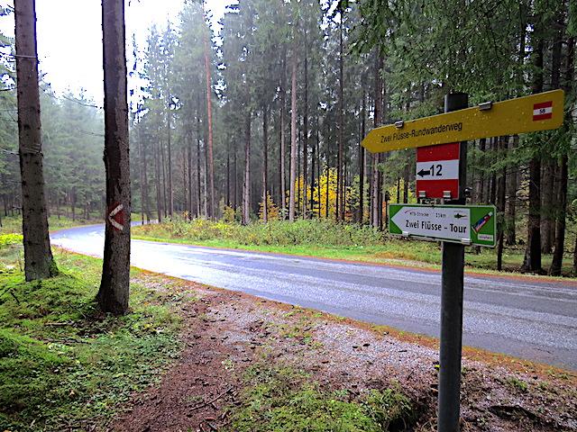 Straße Richtung Syrafeld