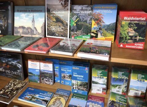 Wanderbücher in der neuen Buchhandlung Grohmann