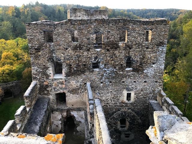 Blick zum Wohnturm